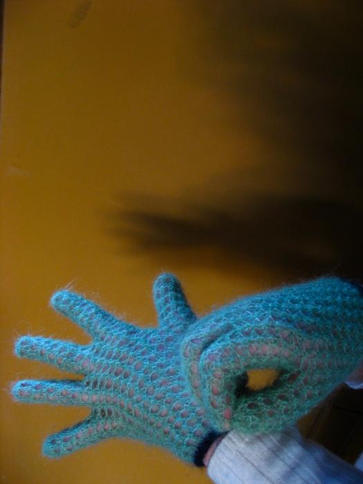 glovessnap.jpg